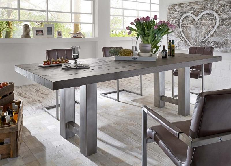Tavolo in legno massiccio Brennero, per cucina,soggiorno,sala