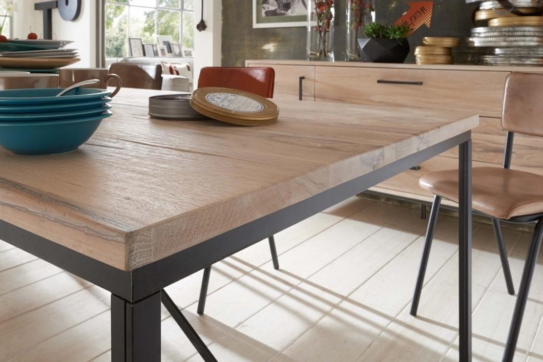 Tavolo da pranzo master in legno massiccio moderno e di design