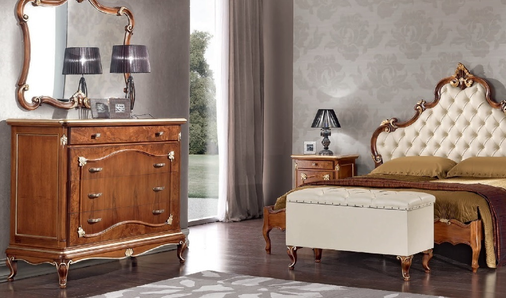 Comò con quattro cassetti Art Decò, mobile in stile classico elegante  camera, soggiorno